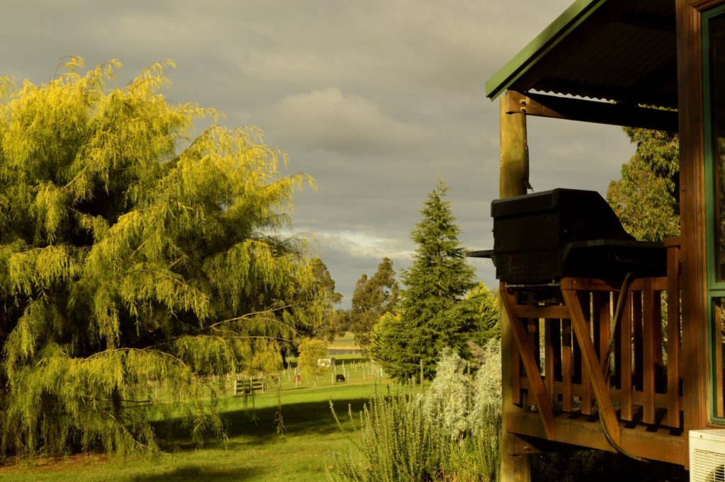 Farmstay Accommodation Enjoy your private BBQ